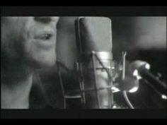 """Versão da Música """"É Preciso Saber Viver"""" (Roberto Carlos/Erasmo Carlos) por Titãs. Clipe e Letra Sensacionais!"""
