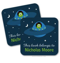 Book labels for boys with alien flying a spaceship. Back to school supplies