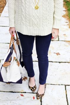 winter Pants 2019 best outfits Source by outfits Navy Blue Dress Pants, Flats Outfit, Winter Outfits For Work, Fall Outfits, Work Outfits, Marine Hose, Sequins And Stripes, Outfits Mujer, Fashionable Outfits