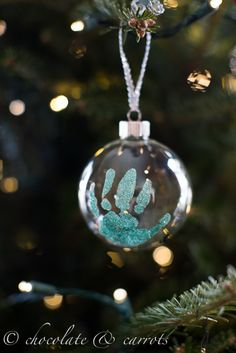 Handprint Ornament tutorial @Danielle Wahl you should do this for grandparents gifts this year!!