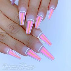 Awesome coffin nails are the hottest nails now. We collected of the most popular coffin nails. So, you don't have to spend too much energy. It's easy to find your favorite coffin nail design. Nail Art Designs, Acrylic Nail Designs, Nails Design, Gorgeous Nails, Pretty Nails, Nails Now, Fire Nails, Best Acrylic Nails, Nail Art Diy