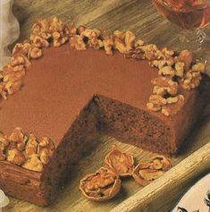 Κέϊκ σοκολάτας με καρύδια και σοκολατένιο γλάσο Greek Desserts, Cake Pops, Macarons, Sweet Recipes, Tiramisu, Cheesecake, Chocolate, Baking, Kuchen