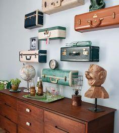 Moderní ložnice a staré kufry: dokonalá kombinace