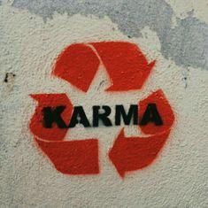 Du bekommst was du gibst. - Street Art Trend 2019 Du bekommst was du gibst. - Du bekommst was du gibst. – Street Art Trend 2019 Du bekommst was du gibst., … Du bekommst was du gibst. – Street Art Trend 2019 Du bekommst was du gibst. Arte Banksy, Banksy Art, Bansky, Images Murales, Urbane Kunst, Get What You Give, Wall Collage, Wall Art, Street Art Graffiti