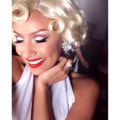 Marilyn Monroe Costume, Desi Perkins, Imperfection Is Beauty, Vintage Glam, Girls Makeup, Too Faced Cosmetics, Girl Boss, Makeup Inspiration, Makeup Tips