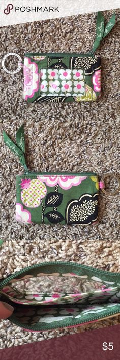 Vera Bradley Small Wallet This is a cute Vera Bradley wristlet that is too small for my wallet needs😋 Vera Bradley Bags Wallets