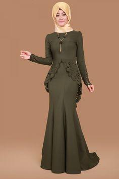 Lazer Kesim Balık Abiye Haki Ürün kodu: ASM2012 --> 139.90 TL Modest Fashion Hijab, Abaya Fashion, Muslim Fashion, Fashion Dresses, Stylish Dress Designs, Stylish Dresses, Long Mothers Dress, Maxi Skirt Outfits, Hijab Style