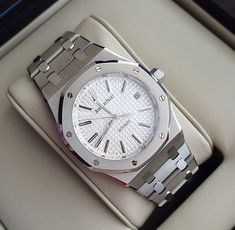 See luxury watches. Patek Phillippe, Hublot, Rolex and much more. Men's Watches, Sport Watches, Cool Watches, Fashion Watches, Audemars Piguet Watches, Audemars Piguet Royal Oak, Patek Philippe, Popular Watches, Expensive Watches