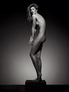 Gisele Bündchen comemora 20 anos de carreira e 40 anos da Vogue Brasil (Foto: Reprodução/Vogue Brasil)