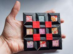 Motif Pattern of Origami, Fuse Tomoko Замечательная книжка гениальной Фусэ Томоко, очень простое, но очень красивое. Черные рамки: бумага развером 5х5 см Внутри: хорошая бумага с позолотой и ворсистостью Покажите друзьям, отличная идея для оформления чего бы то ни было :)…