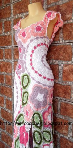 Marcinha crochet: crochet dresses... Love the over all shape of the dress, not big on the leafs & flowers & circles