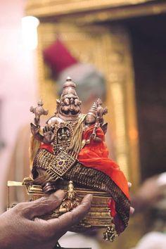 Lord Balaji, Hindu Rituals, Krishna Leela, Jai Hanuman, Buddha Sculpture, Buddha Painting, Lord Vishnu, Hindu Deities, Hindu Temple