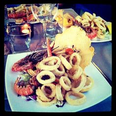 Eat in Italy Seafood Dishes, Food Food, Italian Recipes, Waffles, Bucket, Pasta, Italy, Cheese, Fish