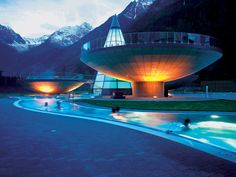 Aqua Dome is a four-star-plus hotel and spa complex in Tirol Therme Längenfeld, the Tyrolean Alps in Austria. The altitude must have had an effect on the planners and designers because the place is out-of-this world heavenly. Alpine Spas, Superior Hotel, Tirol Austria, Cool Swimming Pools, Innsbruck, Hotel Spa, Best Hotels, Luxury Hotels, Rafting