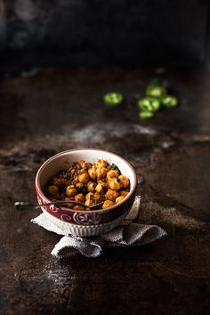 ♂ Food photography still life styling Chana Masala Chana Masala, Dark Food Photography, Cooking Photography, Tandoori, Sweet Home, Food Pictures, Street Food, Food Styling, Indian Food Recipes