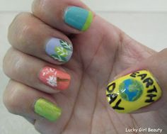 I know it's early but, here are my Earth Day nails. Enjoy!