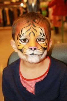 Kids schminken Face painting tiger halloween face painting kids original ideas to imitate Lion Face Paint Easy, Kitty Face Paint, Best Face Paint, Face Painting For Boys, Face Painting Designs, Body Painting, Animal Face Paintings, Animal Faces, Tiger Halloween