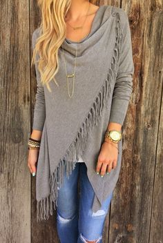 beautiful long sleeve tassel sweater//