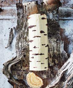 Koivuhalkokakku – upea herkku on helppo leipoa | Meillä kotona Goodies, Food And Drink, Desserts, Koti, Birch, Finland, Sweet Like Candy, Tailgate Desserts, Deserts
