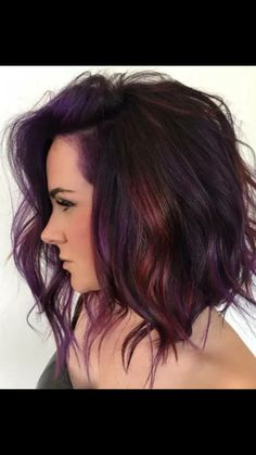 32 Inspiring Fall Hair Colors Ideas For 2019 - So long, Summer! The leaves are changing, thus should your hair! Changing your hair color to catch the magnificence of Autumn leaves is an extraordina. Fall Hair Colors, Short Hair Colors, Fall Hair Color For Brunettes, Short Purple Hair, Winter Hair Colour, Short Hair With Color, Purple Hair Tips, Purple Brown Hair, Purple Hair Highlights