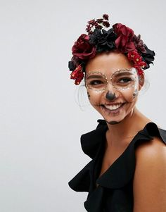 Buy ASOS Halloween Dark Floral Garland Headband at ASOS. Get the latest trends with ASOS now. Mexican Halloween Costume, Halloween Make Up, Asos, Dark Costumes, Sugar Skull Costume, Halloween Headband, Dead Makeup, Floral Garland, Halloween Makeup Looks