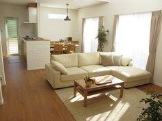 ブラックチェリー柄の床材にオーク無垢材の家具を中心としたナチュラルコーディネートをご紹介します の画像|家具なび ~きっと家具から始まる家づくり~
