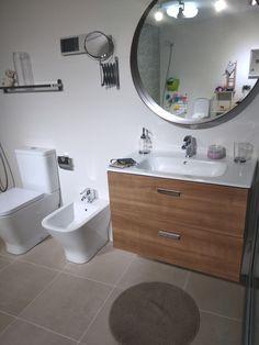 Propuesta de mobiliario y porcelánicos para baño en suit. Vanity, Bathroom, Proposal, Quartos, Kitchens, Dressing Tables, Washroom, Powder Room, Bathrooms