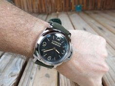 Officine Panerai - MichaelC reviews his Panerai PAM372 after 21 months of ownership