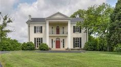 A 6,800 sq ft antebellum home built in 1856 once owned by Han Williams Jr., now on the market, owned by Faith Hill & Tim McGraw