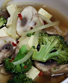 [Resep] Sup Brokoli Jamur Tiram http://www.perutgendut.com/read/sup-brokoli-jamur-tiram/1541 #Resep #Food #Kuliner #Indonesia