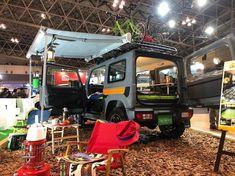 "Love_Jimny on Instagram: "". ジャパンキャンピングカーショーに行ってきました😃 目が丸くなるような豪華なキャンピングカーがたくさん展示されてるのですが、その中で目立ってたのがこの車中泊仕様のジムニー🚜 TOY FACTRY さんの展示車です。…"" New Suzuki Jimny, Jimny Sierra, Suzuki Cars, Off Roaders, Van Life, Offroad, Cars Motorcycles, Samurai, Camping"