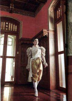 ✿ Thai women and Thai Traditional dress .