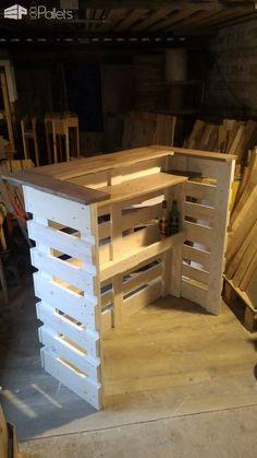 I built this console bar with recovered planks from three EURO pallets. Projet réalisé avec des planches de 3 palettes …