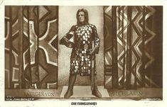 Rudolf Rittner in Die Nibelungen as Margrave Ruediger, who arranges the marriage of Kriemhild to Attila Best Armor, Fritz Lang, Legendary Creature, Character Design Inspiration, Vintage Postcards, Knight, Creatures, Fantasy, Artist