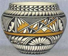 New Images pottery designs native american Popular Native American Pottery(Acoma) Rookwood Pottery, Ceramic Pottery, Pottery Art, Ceramic Art, Native American Design, Native American Pottery, American Indian Art, Pottery Courses, Vases