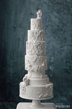 Wedding white cake WedLuxe Statuesque Beauty - Welcome My Decor Wedding Cake Fresh Flowers, Fresh Flower Cake, Black Wedding Cakes, Beautiful Wedding Cakes, Beautiful Cakes, Wedding White, Flower Cakes, Cake Wedding, Trendy Wedding