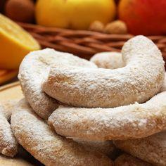 Pojďte s námi zdravě jíst a být fit! Candy Recipes, Christmas Candy, Bagel, Marshmallow, Doughnut, Good Food, Healthy Recipes, Bread, Cookies