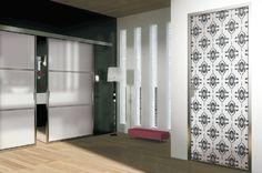 Porte scorrevoli e a battenti con profili in alluminio realizzate da MR, grazie al sistema Valjet. Una decorazione d'effetto che sa donare eleganza e classe all'ambiente circostante. ------------------Sliding doors and doors with aluminum profiles produced by MR, thanks to Valjet. A decorative effect that can give elegance and class to your surrounding environment