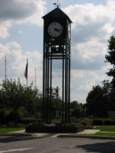 Thomasville NC's clock tower chimes on the hour.  It sits across from the famous Thomasville Big Chair in the city's center square at the intersection of Main/Salem/Randolph Streets.