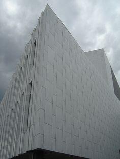 Finlandia Hall by Alvar Aalto, Helsinki, Finland Nordic Classicism, Santiago Calatrava, Brick Block, Building Art, Alvar Aalto, Amazing Buildings, Helsinki, Scandinavian Design, Interior Architecture