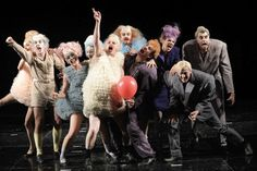 Frau Luna : Victoria Behr Kostüme Pantomime, Puppetry Theatre, Set Design Theatre, Victoria, Costume Design, Crowd, Image Sources, Acting, Stage