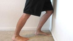 Limited ankle mobility can cause a number of different problems and injury in the leg. Limited dorsiflexion is often linked to over pronation and flat feet. Ankle Mobility, Ankle Flexibility, Knock Knees, Ankle Joint, Sprained Ankle, Flat Feet, Tight Hips, Calf Muscles, Weight Loss Workout Plan