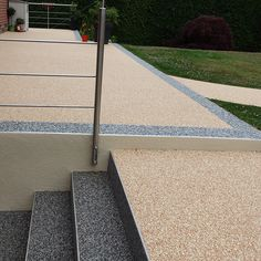 39 New ideas for stairs exterior concrete gardens Tile Stairs, Stair Walls, Pet Stairs, Front Door Steps, Stairs In Kitchen, Stone Driveway, Tv Wall Design, Driveway Landscaping, Garden Steps