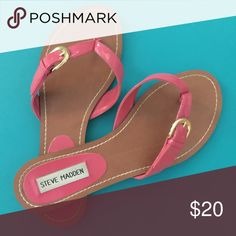 Like new Steve Madden sandals Adorable pink flip flop sandals with gold buckle. Like new. Size 8. Narrow. Steve Madden Shoes Sandals