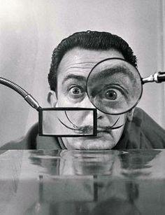 #Salvador Dali #magnified #magnifying glasses