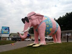 8) The Pink Elephant in Cookville is a definite must-see if you're road tripping through. Just think of all the Instagram captions.