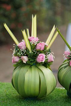 Wedding Backdrop Design, Garden Wedding Decorations, Floral Backdrop, Backdrop Decorations, Ceremony Decorations, Flower Decorations, Ganpati Decoration Design, Flower Garland Wedding, Traditional Wedding Decor