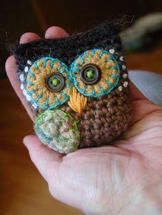 Inspiration. Fiddlesticks - My crochet and knitting ramblings.: Owlie Key Pouch!