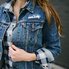 SEA-HAWKS!  I'm living in my @levis x NFL denim jacket on game days. It feels worn in and pairs perfectly with flannel. Luckily, this combo comes in men's + women's sizing and is available in every team's colors.  Get the shop-able details by clicking the link in my profile or via @liketoknow.it  http://liketk.it/2q1vs. Sizing tip: the jacket fits slightly oversized. Be sure to check the measurements. #ltkstyletip #ltkgameday #liketkit #ltkunder100