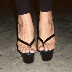 Sexy Legs And Heels, Hot Heels, Sexy High Heels, High Heels Stilettos, Stiletto Heels, Pretty Heels, Beautiful High Heels, Gorgeous Feet, High Heels Outfit